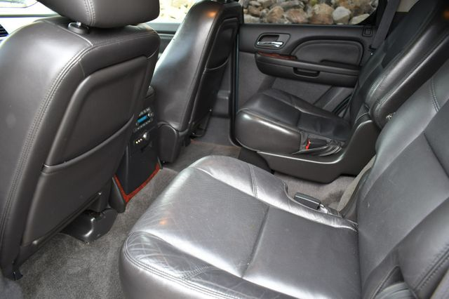 2010 Cadillac Escalade Luxury AWD Naugatuck, Connecticut 16