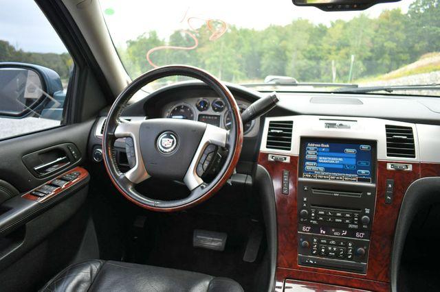2010 Cadillac Escalade Luxury AWD Naugatuck, Connecticut 19