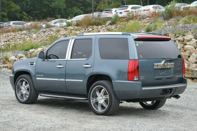 2010 Cadillac Escalade Luxury AWD Naugatuck, Connecticut 4