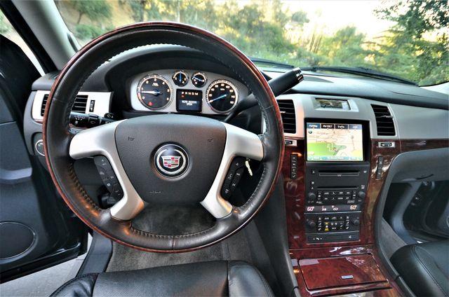 2010 Cadillac Escalade Premium Reseda, CA 3