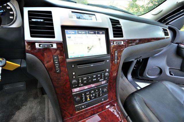 2010 Cadillac Escalade Premium Reseda, CA 4