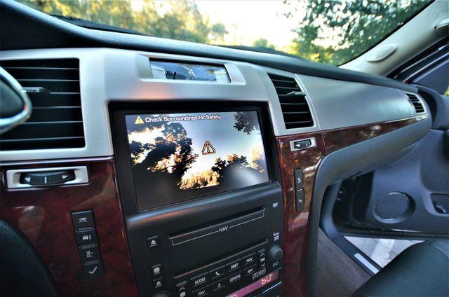 2010 Cadillac Escalade Premium Reseda, CA 5
