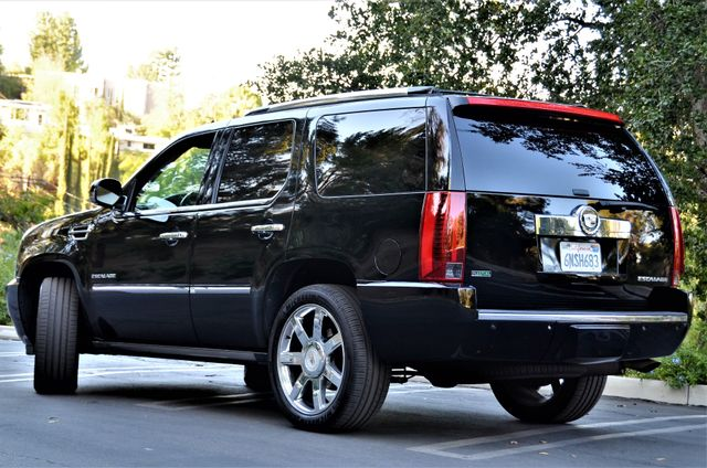 2010 Cadillac Escalade Premium Reseda, CA 14
