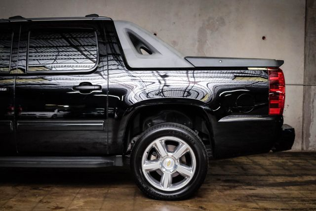 2010 Chevrolet Avalanche LS Texas Edition in Addison, TX 75001