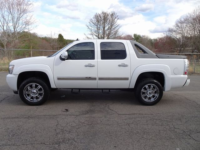 2010 Chevrolet Avalanche LT Madison, NC 4