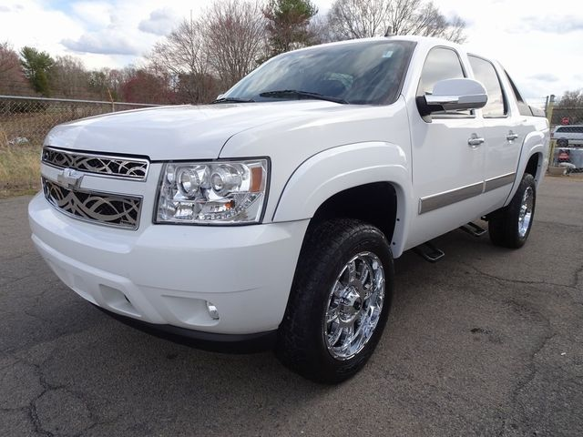 2010 Chevrolet Avalanche LT Madison, NC 5
