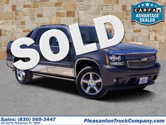 2010 Chevrolet Avalanche LTZ | Pleasanton, TX | Pleasanton Truck Company in Pleasanton TX