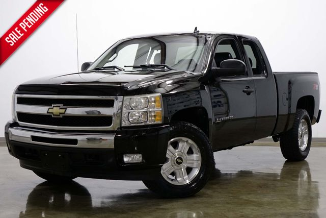 2010 Chevrolet Silverado 1500 LT Z71 Extended Cab 4 Wheel Drive in Dallas Texas, 75220