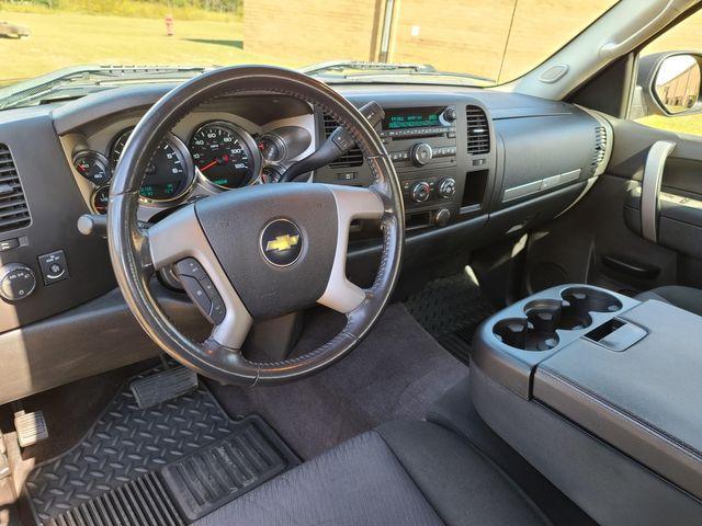 2010 Chevrolet Silverado 1500 LT in Hope Mills, NC 28348