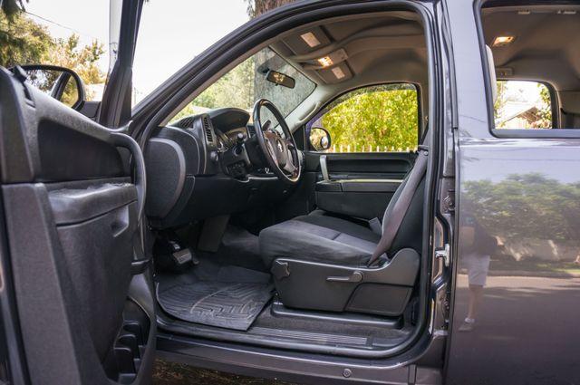2010 Chevrolet Silverado 1500 LT Reseda, CA 13