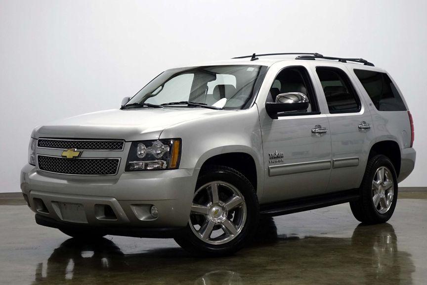 """2010 Chevrolet Tahoe LT Mid Row Bucket Seat DVD 20 """" Wheels One Owner"""