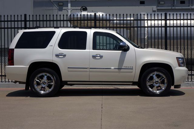 2010 Chevrolet Tahoe LTZ * Roof * DVD * Quads * PWR BOARDS * Blind Spot Plano, Texas 2