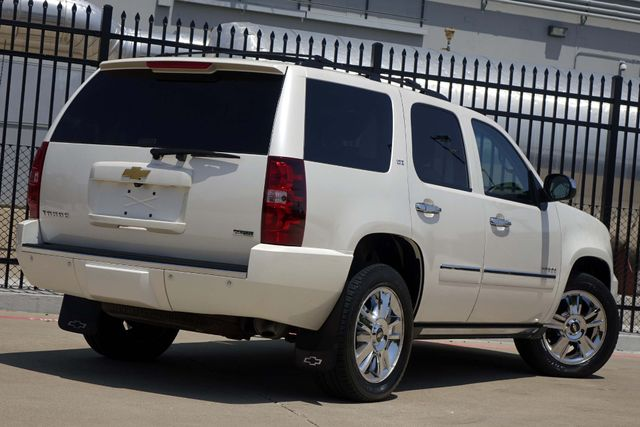 2010 Chevrolet Tahoe LTZ * Roof * DVD * Quads * PWR BOARDS * Blind Spot Plano, Texas 4