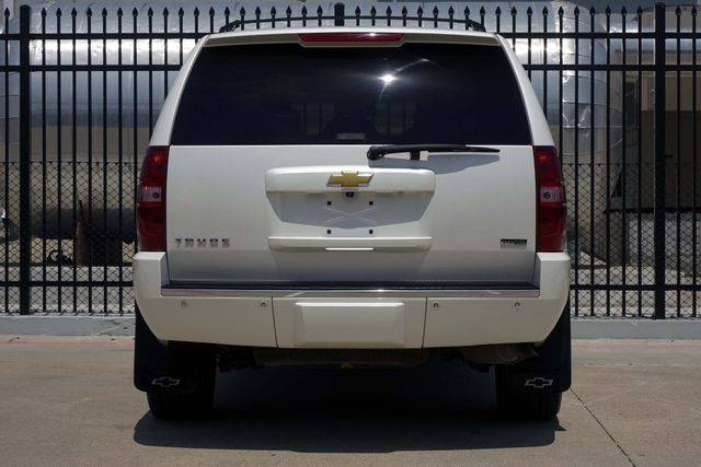 2010 Chevrolet Tahoe LTZ * Roof * DVD * Quads * PWR BOARDS * Blind Spot Plano, Texas 7