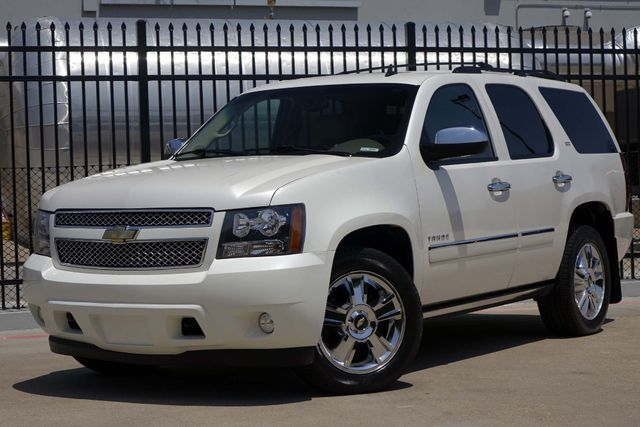 2010 Chevrolet Tahoe LTZ * Roof * DVD * Quads * PWR BOARDS * Blind Spot Plano, Texas 1