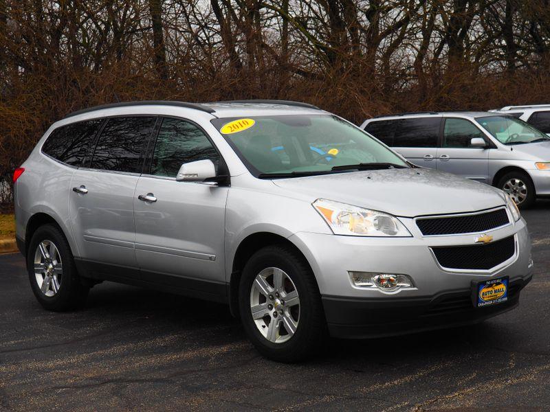 2010 Chevrolet Traverse LT w/2LT | Champaign, Illinois | The Auto Mall of Champaign in Champaign Illinois