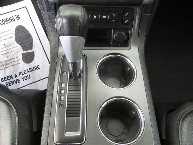 2010 Chevrolet Traverse LT w/2LT Gardena, California 7
