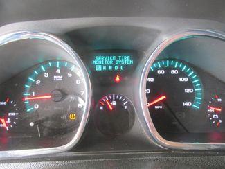 2010 Chevrolet Traverse LT w/2LT Gardena, California 5