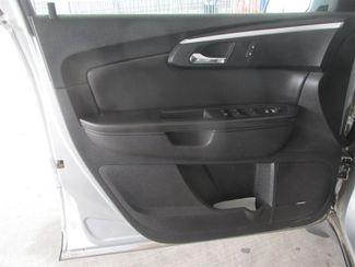 2010 Chevrolet Traverse LT w/2LT Gardena, California 9