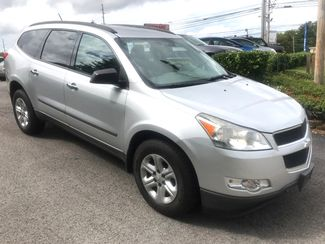 2010 Chevrolet-3 Owner! 3rd Row! Traverse-BUY HERE BUY HERE  LS-CARMARTSOUTH.COM Knoxville, Tennessee 2
