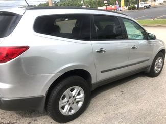 2010 Chevrolet-3 Owner! 3rd Row! Traverse-BUY HERE BUY HERE  LS-CARMARTSOUTH.COM Knoxville, Tennessee 5