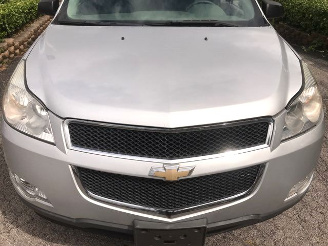 2010 Chevrolet Traverse LS Knoxville, Tennessee 2