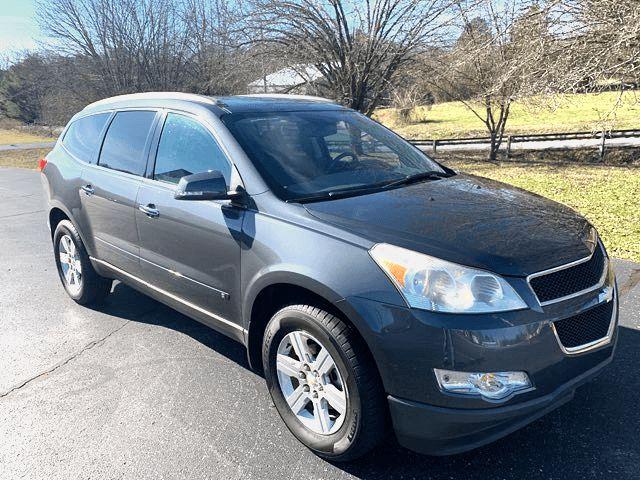 2010 Chevrolet- 3 Day Sale Price! 3rd Row! Mint! Traverse-BHPH $500 DN WAC LT-CARMARTSOUTH.COM