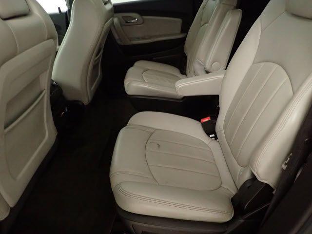 2010 Chevrolet Traverse LTZ Lincoln, Nebraska 3