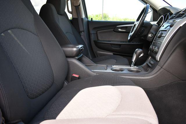 2010 Chevrolet Traverse LT w/1LT Naugatuck, Connecticut 9