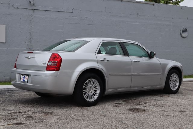 2010 Chrysler 300 Touring Hollywood, Florida 5