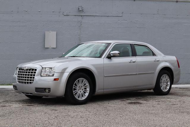 2010 Chrysler 300 Touring Hollywood, Florida 11