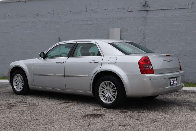 2010 Chrysler 300 Touring Hollywood, Florida 8