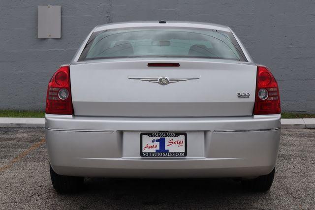 2010 Chrysler 300 Touring Hollywood, Florida 7