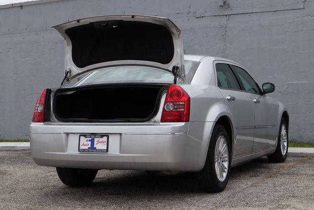 2010 Chrysler 300 Touring Hollywood, Florida 36
