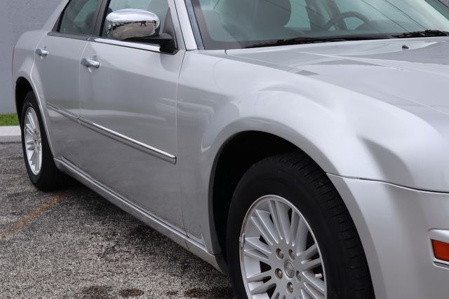 2010 Chrysler 300 Touring Hollywood, Florida 3