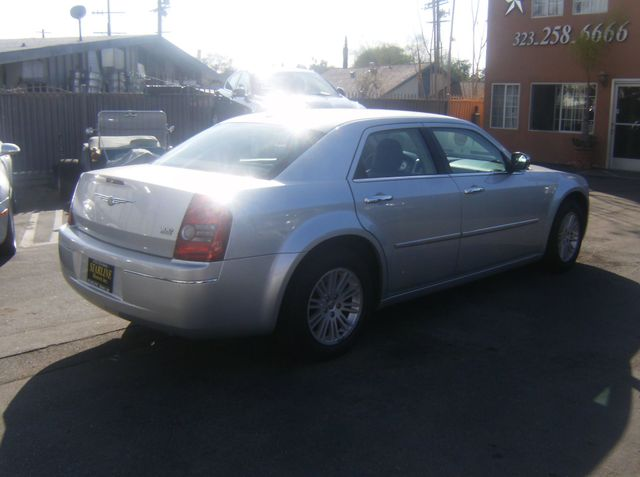 2010 Chrysler 300 Touring Los Angeles, CA 5
