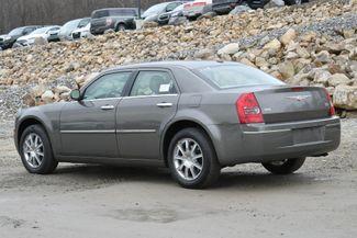 2010 Chrysler 300 Touring Naugatuck, Connecticut 2