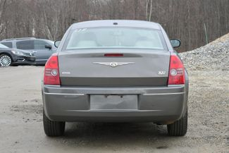 2010 Chrysler 300 Touring Naugatuck, Connecticut 3
