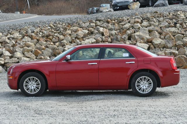2010 Chrysler 300 Touring Naugatuck, Connecticut 1