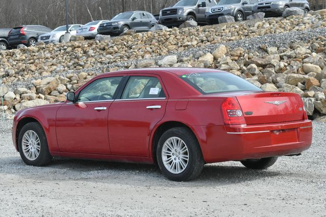 2010 Chrysler 300 Touring Naugatuck, Connecticut 2