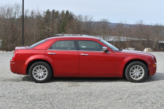 2010 Chrysler 300 Touring Naugatuck, Connecticut 5