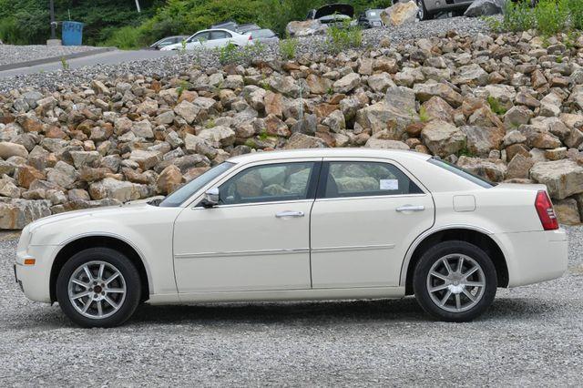 2010 Chrysler 300 Touring Naugatuck, Connecticut 1