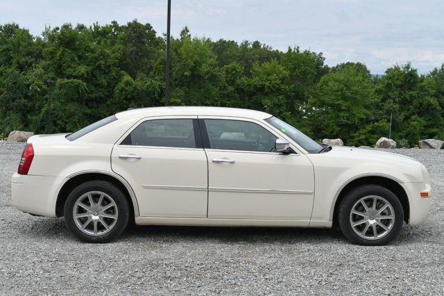 2010 Chrysler 300 Touring Naugatuck, Connecticut 5