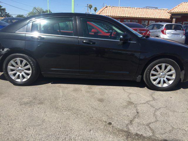 2010 Chrysler Sebring Limited AUTOWORLD (702) 452-8488 Las Vegas, Nevada 4