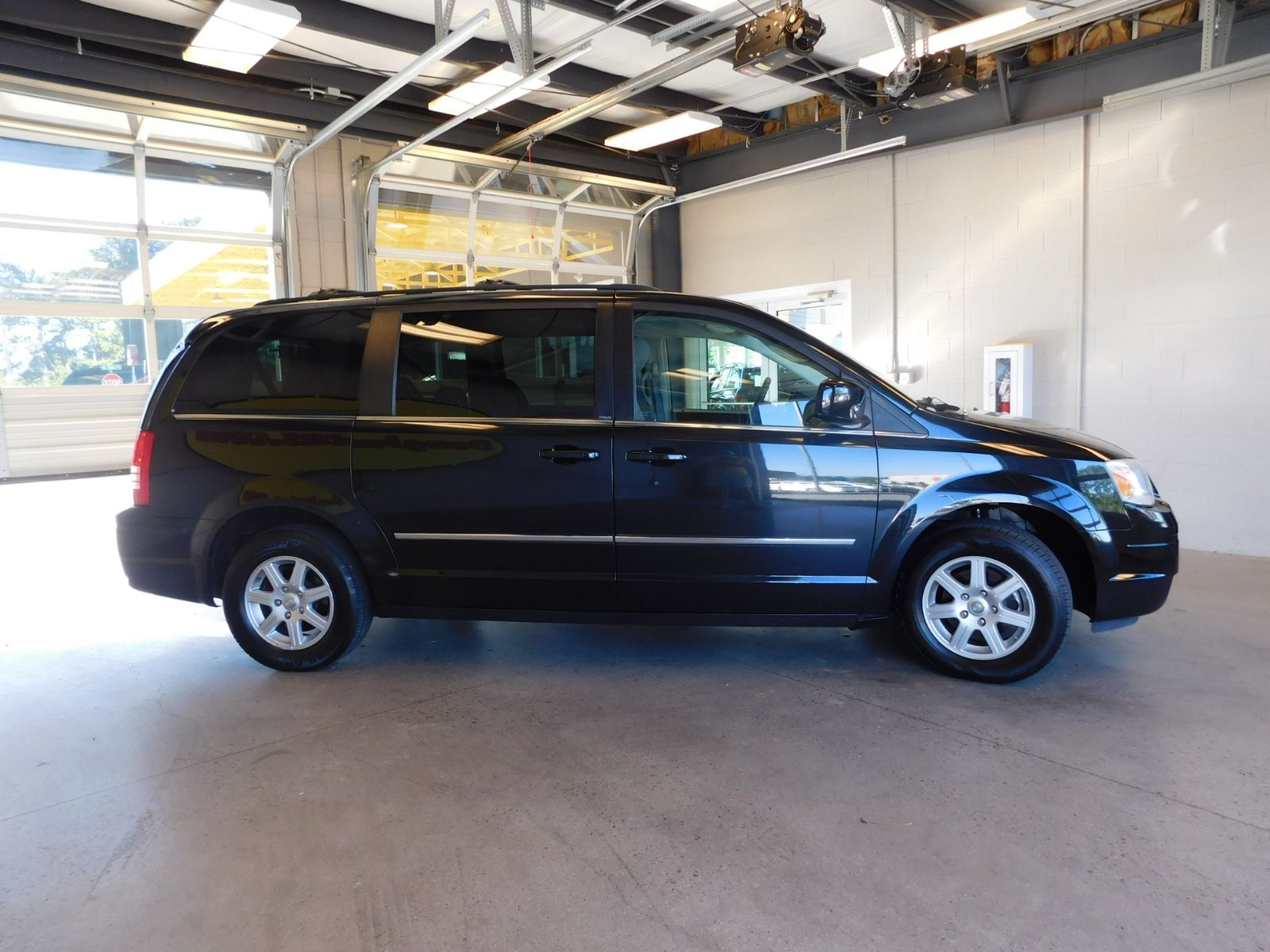 2010 Chrysler Town Country Touring City