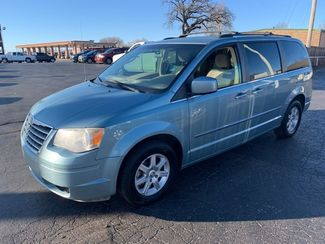 2010 Chrysler Town & Country Touring Bethany, OK