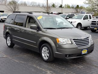 2010 Chrysler Town & Country Touring Plus | Champaign, Illinois | The Auto Mall of Champaign in Champaign Illinois