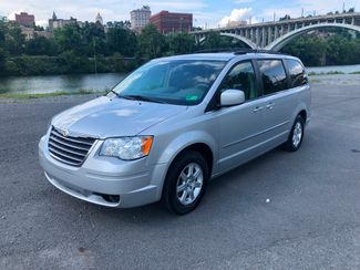 2010 Chrysler Town & Country Touring Fairmont, West Virginia