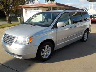2010 Chrysler Town & Country Touring Fayetteville , Arkansas 1