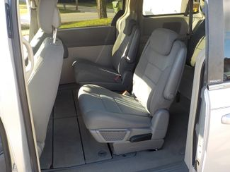 2010 Chrysler Town & Country Touring Fayetteville , Arkansas 11